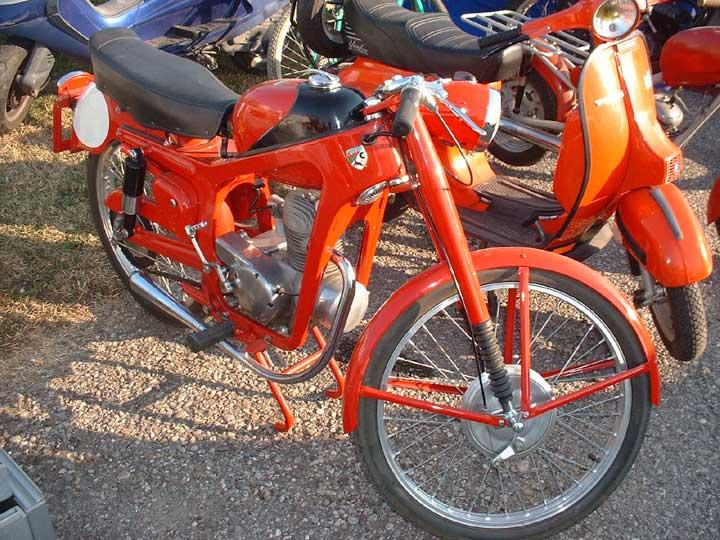 MOTOS PARA EL RECUERDO DE LOS ESPAÑOLES-http://www.epifumi.com/foro/gallery/834_07_05_09_6_34_07.jpg
